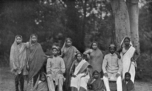 Grupa braminów około 1910 r. Fot. Hulton Archive/Getty Images