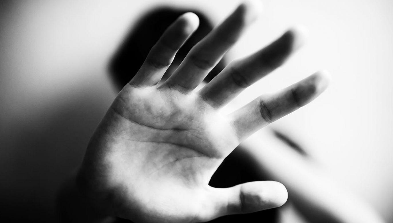 Śledczy będą sprawdzać, czy 71-latek nie skrzywdził nikogo innego (fot. Shutterstock)
