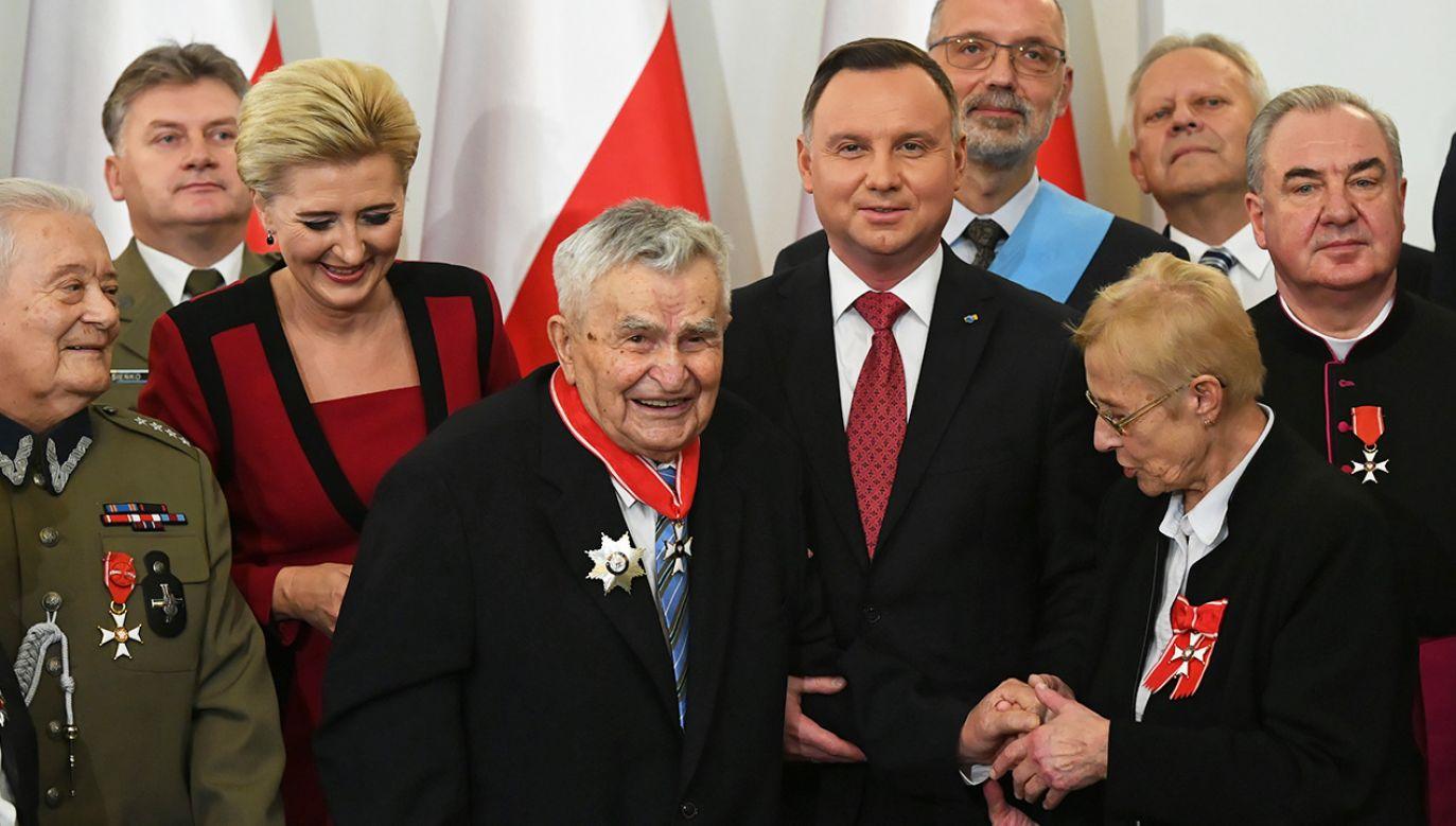 Prezydent nadał odznaczenia państwowe (fot. PAP/Radek Pietruszka)