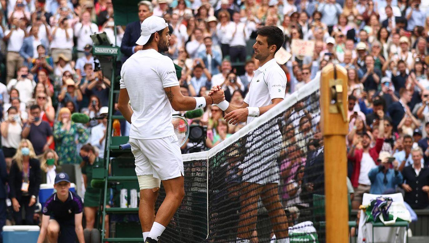 W finale Wimbledonu Matteo Berrettini przegrał z Novakiem Djokoviciem (fot. Julian Finney/Getty Images)